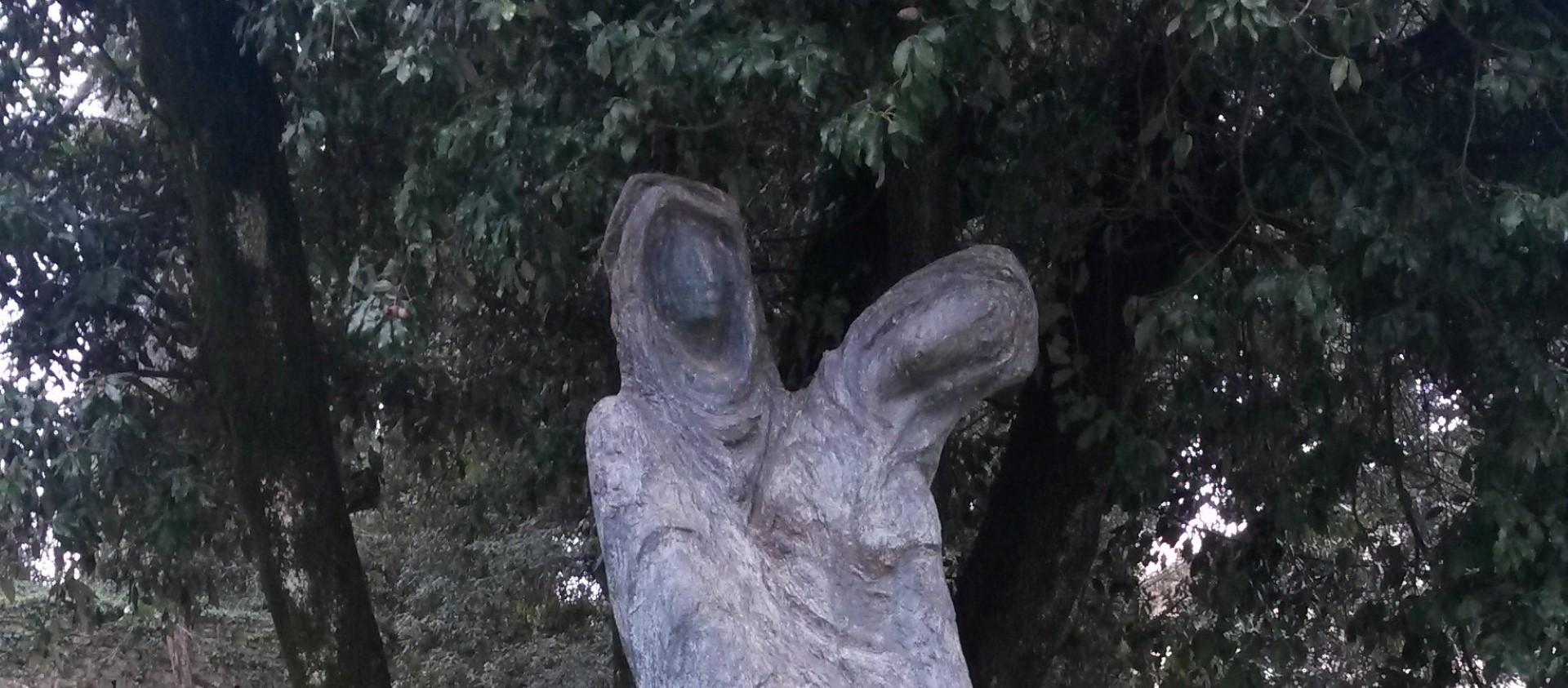 """""""La Sorella e La Ferita"""" di Vallmitjana nei Giardini del Praticino"""
