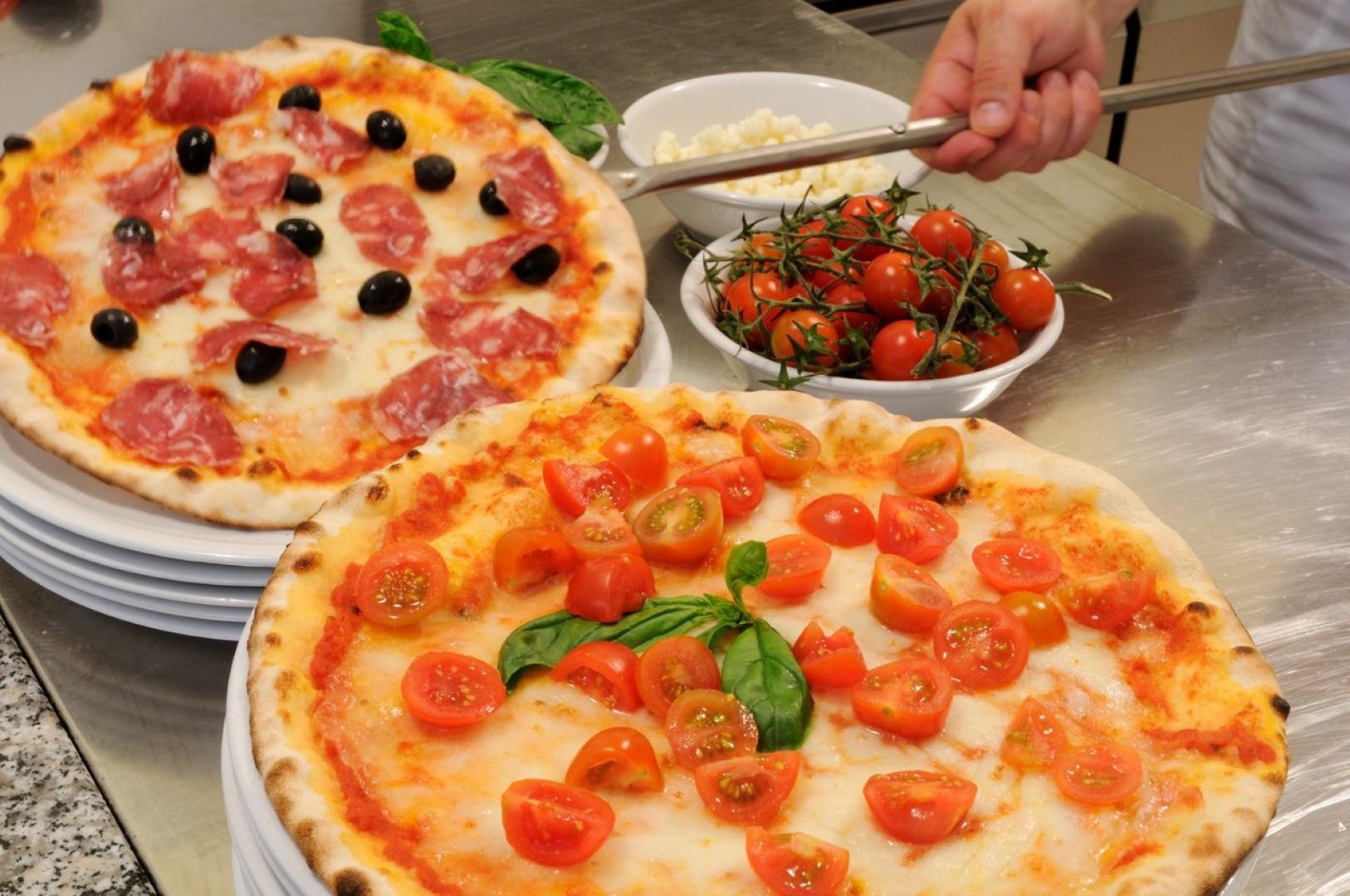 Porta Sant'Andrea: sabato 14 dicembre la Pizzeria al Quartiere