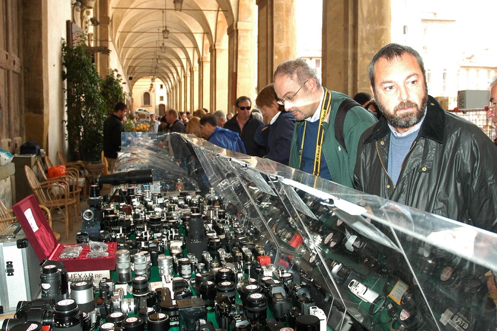 Foto Antiquaria: Arezzo capitale della fotografia d'epoca