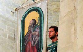 Porta Sant'Andrea celebra il protettore Sant'Andrea Guasconi.